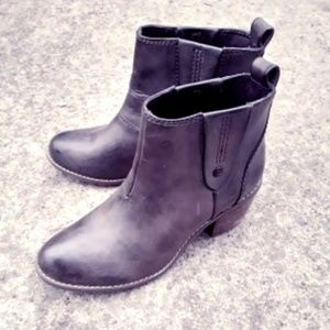 Calvin Klein Leather Boots Size 6